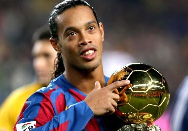 Recibió varios galardones individuales en sus años en Barcelona