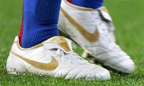 Llevó oro en sus botas
