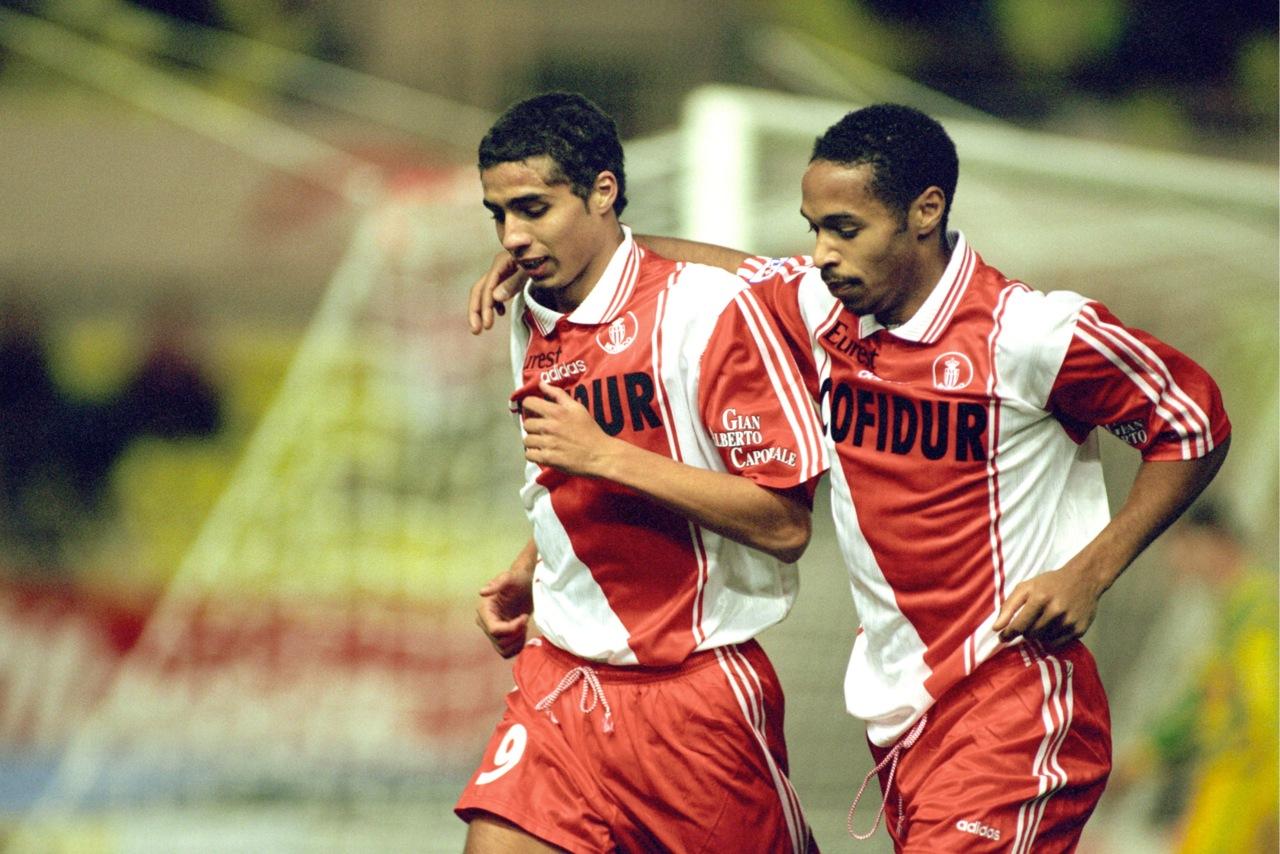 Debutó en Primera División en el Mónaco