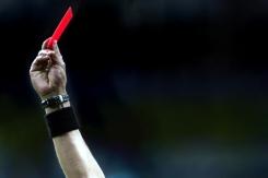 5 futbolistas que fueron suspendidos de por vida