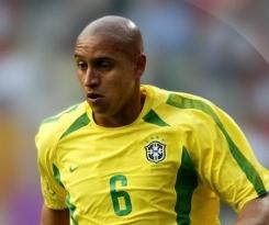 Los 4 mejores goles de Roberto Carlos