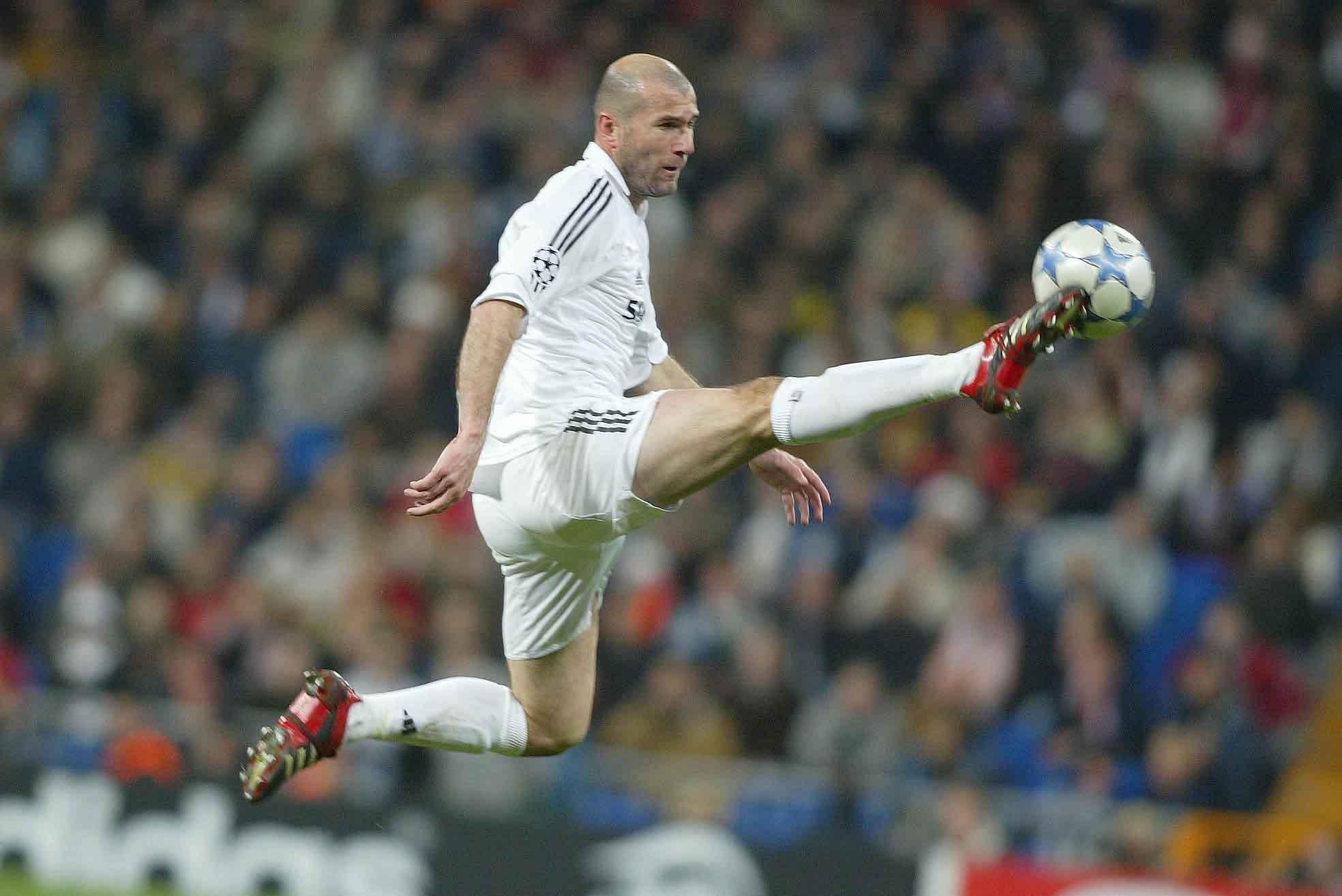 Es el único francés en anotar un gol en la Final de la Champions League y en la Final de la Copa del Mundo.
