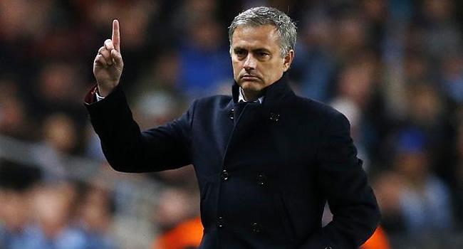 Contra Mourinho.