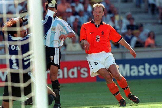 Dennis Bergkamp, Holanda