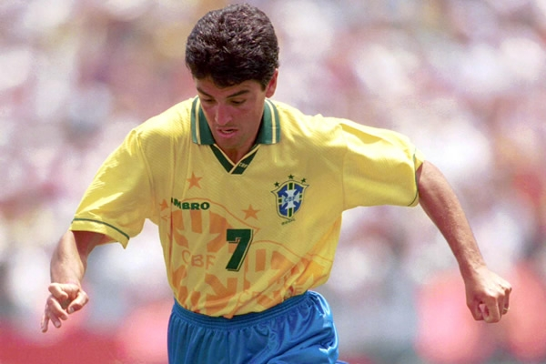 Fue el máximo goleador en los Juegos Olímpicos de Atlanta 1996.