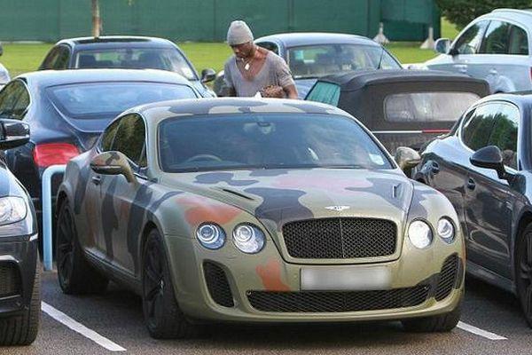 Fue detenido con 25.000 libras en efectivo en el coche