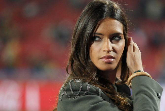 Las 10 mujeres de futbolistas más despampanantes del mundo