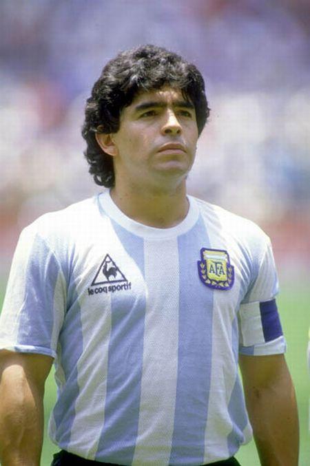 Los 15 Mejores Futbolistas Argentinos de la Historia